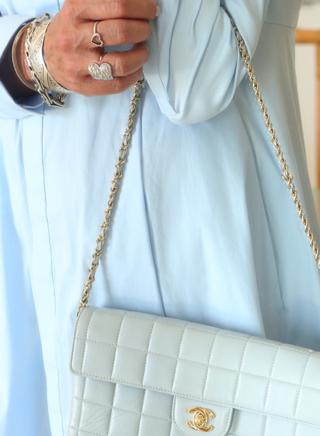 COS shirtdress Chanel baby blue bag Trendsurvivor Nina Papaioannou06