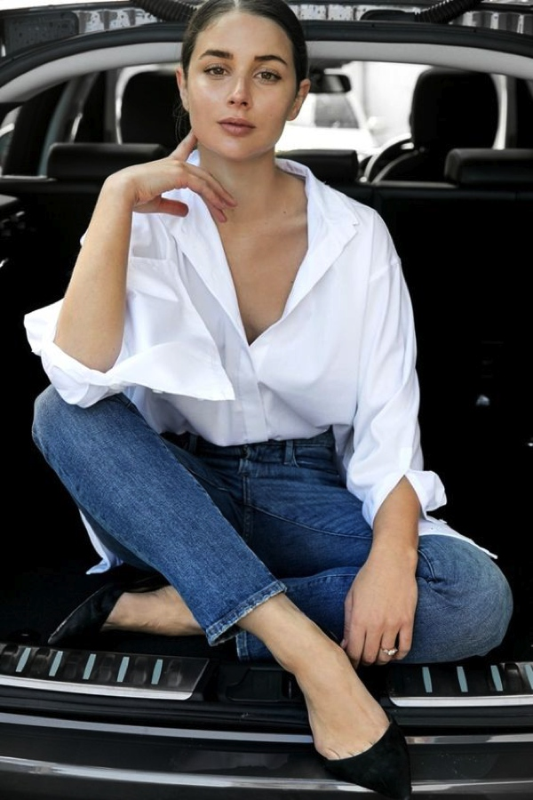 white shirt jeans