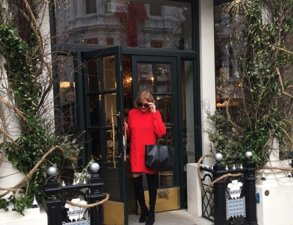 Red sweater dress blogger style Trendsurvivor Nina Papaioannou