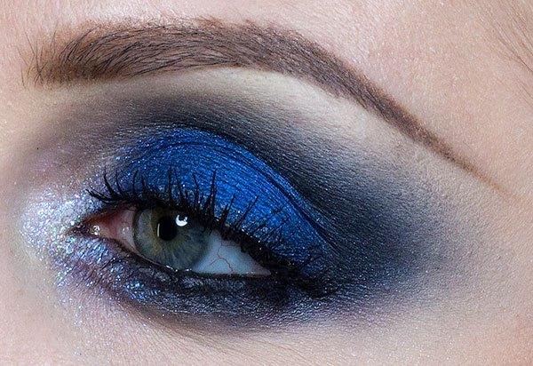 -blue-makeup