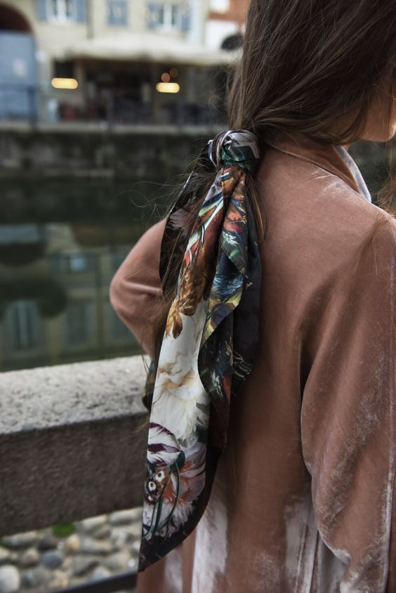 loose scarf