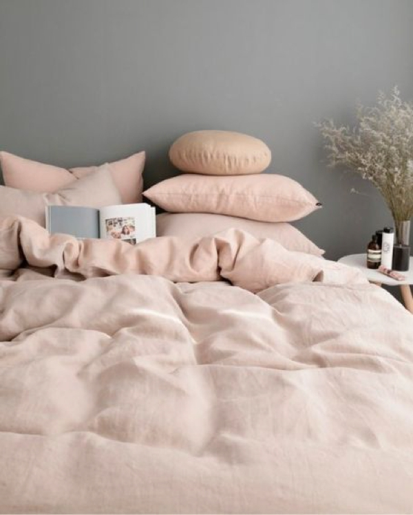 Styling blush pink home decor09