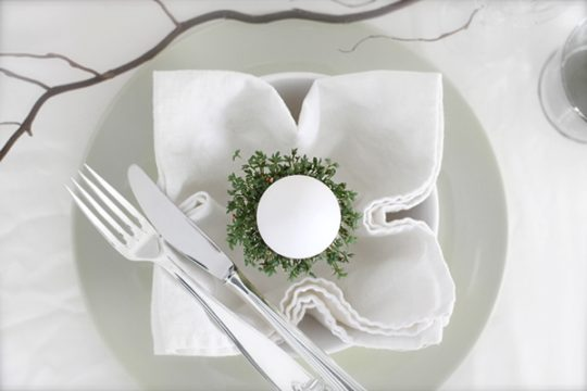 Table-setting-idea-Easter