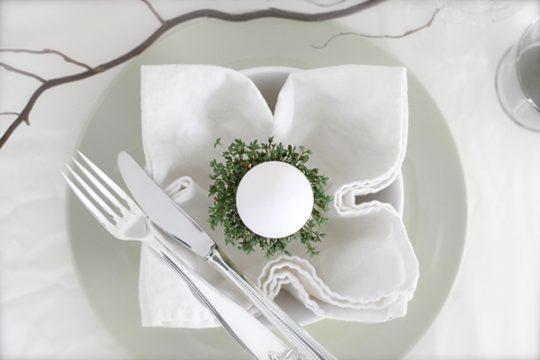 Table-setting-idea-Easter
