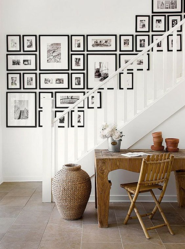 gallery wall staircase