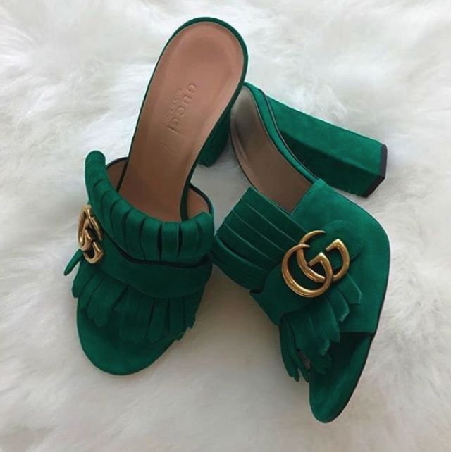 Gucci suede pumps
