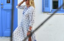 Greek Island dress code // How to wear a caftan dress