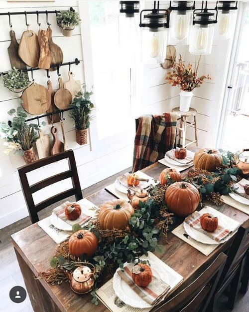 Pumpkins and leafs decor