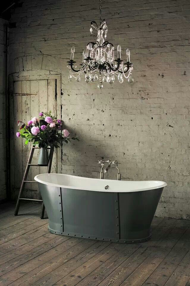 Bathroom-chandeliers-improve-the-design-of-your-home-7
