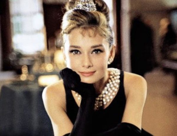 audrey-hepburn-breakfast-at-tiffany-s-holly-golightly-little-black-dress-dress-4hGD4pUycG1AQUChVcyPFUu3m