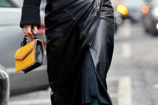 Black-leather-skirt-streetstyle